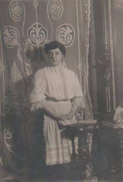 Édesanyja, Alfay Ilona