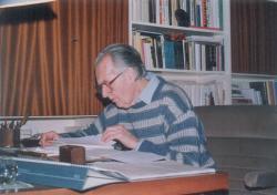 Mándy Iván otthonában, munka közben (1992 január)
