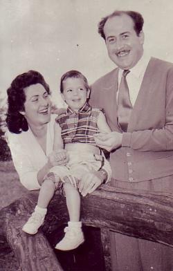 Feleségével, Rózsával és kislányával, Magdival, 1958