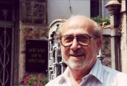 1989-90, az Írószövetség bejáratánál