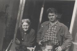 Mészöly Miklós édesanyjával