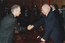 A Kossuth-díj átvételekor, Göncz Árpáddal (1992)