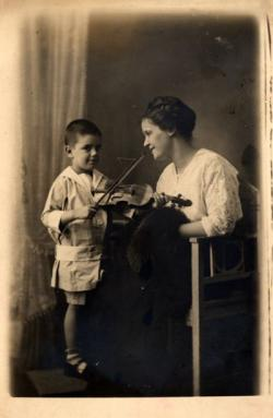 Apai féltestvérével, Ottlik Pálmával, Budapest, 1916