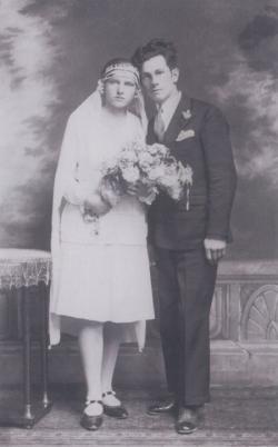 Páskándi Géza szüleinek esküvői fotója (1930)