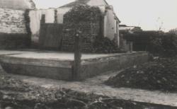 A szülői ház maradványai Szatmárnémetiben, a Hortobágy utcában, az 1970-es árvíz után