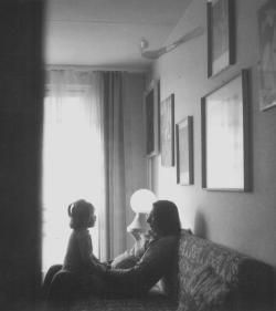 Családjával (1975)