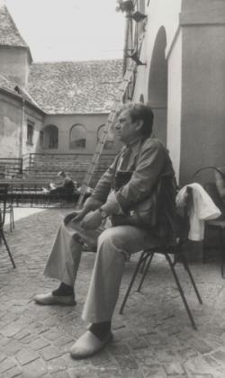 Kőszegen, a Várszínház udvarán (1982)