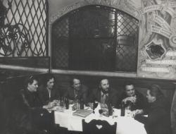 A Drámaírók Köre a Mátyás-pincében: Száraz György, Páskándi Géza, Görgey Gábor, Szakonyi Károly, Gyurkovics Tibor és Csurka István (1984)