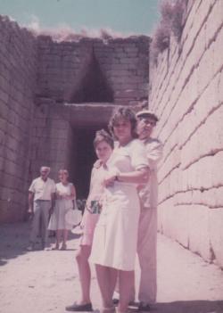Családjával Mükénében (1984)