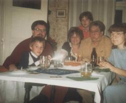 Temesi Ferenc, kisfia, Dani és lánya, Móni a Páskándi-családdal