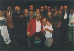 A Nemzeti Színház társulata a Tornyot választok-előadás után (1993)
