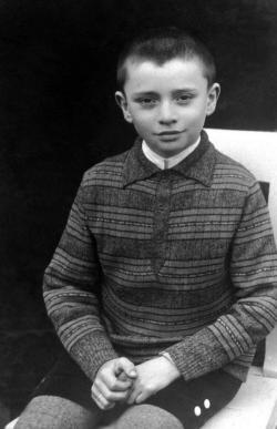 """1932 nyara: """"Felvétetett a hajdúnánási ref. reálgimnázium I. osztályába"""""""