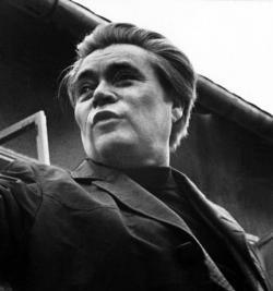 Móser Zoltán felvétele 1975-ben készült a Kálmánházára hazalátogató költőről