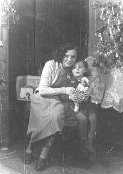 Rakovszky Zsuzsa édesanyjával, 1954 karácsonyán