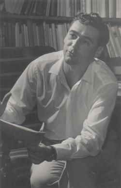 Somlyó György az 50-es évek elején, Eszék utcai otthonában