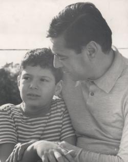 Fiával a Balatonnál, a 60-as évek közepén
