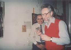 Az Új Írás előszilveszteri buliján, Farkas Lászlóval, 1985 december