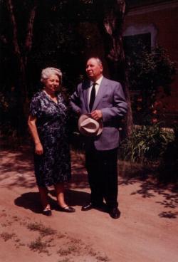 Szülei (Árpádföld, 1968 június)