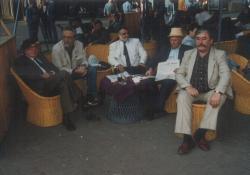 Az Új Idők szerkesztősége Szabadkán (Hernádi Gyula, Szakonyi Károly, Gyurkovics Tibor, Végh Antal és a főszerkesztő, Csukás István), 1989