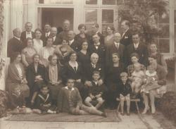 A Várady család az 1920-as évek végén Szentesen