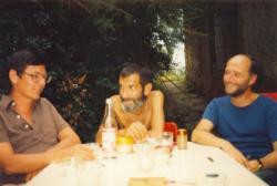 Petri György, Várady Szabolcs és Fodor Géza Csobánkán (fotó: Lakatos Mária, 1986)