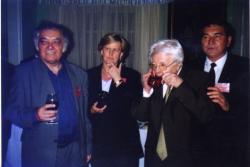 Sütő András 75. születésnapján Sopronban. Csoóri, Cs. Nagy Ibolya, Sütő, Görömbei András (2002)
