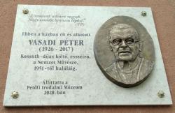 Emléktábla a Magyar utcai ház homlokzatán