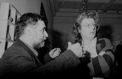 Esterházy Péter Hegedűs 2 László kiállításának megnyitóján (Képek, könyvek, szövegek, Kierkegaard és Esterházy idézetek, PIM, 1994)