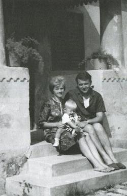 Feleségével, Vágner Erzsébettel és fiukkal, Attilával (Vése, 1967)