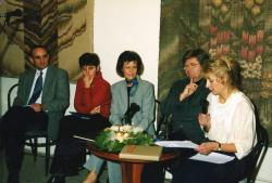Gémesi Györggyel, Keresztes Dórával, Sunyovszky Szilviával és Katona-Szabó Erzsébettel Gödöllőn (2001)