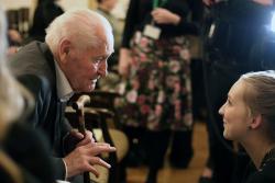 Kányádi Sándort köszöntik 88. születésnapján (2017, PIM)