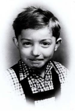 Kisgyermekként (1954 körül)