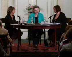 Liptay Katalin, Jókai Anna és Havas Judit a Tárgyeset című beszélgetéssorozat estjén (2015, PIM)