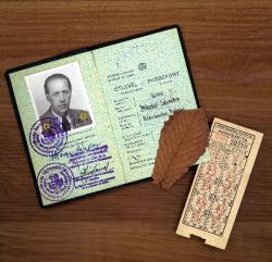 Sors és jelkép: útlevél, gesztenyelevél, menetjegy (Márai-hagyaték, T. Nagy György kompozíciója)