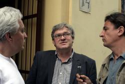 Závada Pál Németh Gáborral és Jánossy Lajossal sétál Idegen testünk című regényének helyszínein (2008)
