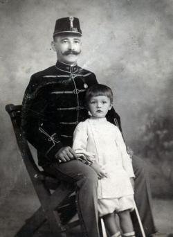 Németh László édesapjával 1905 körül