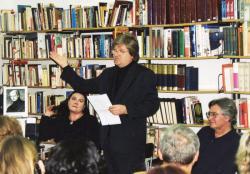 Olasz Ferenc könyvbemutatóján Maczkó Máriával a martonvásári könyvtárban (2003)