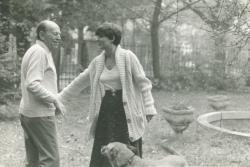 Örkény István  Radnóti Zsuzsával és Jötti nevű kutyájával(Fotó_Nádas Péter, 1976)