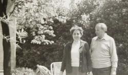 Rónay György feleségével