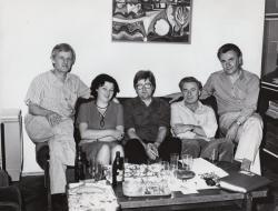Szakolczay Lajossal, Perényi Gyulánéval, Tüskés Tiborral és Harkány Lászlóval egy író-olvasó találkozó után Nagykanizsán (1981)