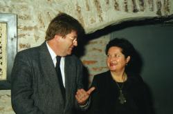 Szemereki Teréz kiállításának megnyitóján Győrben (2000)