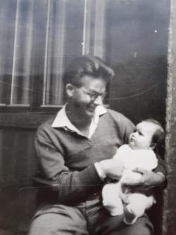 Vasadi Péter harmadik gyermekével