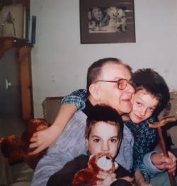 Vasadi Péter unokáival 2007-ben
