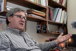 Závada Pál dolgozószobájában (2008)