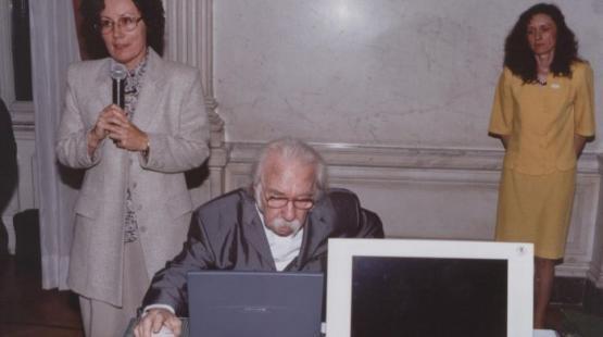 Az első honlap bemutatója, 2000. május 31.